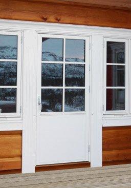 Brystningshøgd på balkongdør tilpassa vindauge